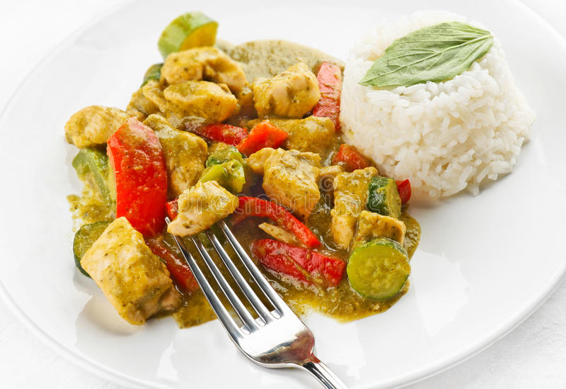 Curry verde tailandese del pollo immagine stock
