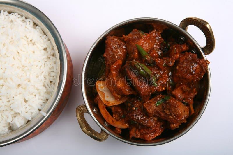 Curry y arroz de los chiles de la carne de vaca fotografía de archivo