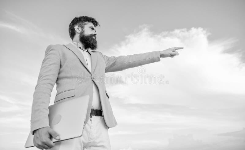 Curso cambiante Buscar oportunidades y nuevas ocasiones Dirección del negocio que se convierte Encargado formal del traje del hom fotografía de archivo libre de regalías