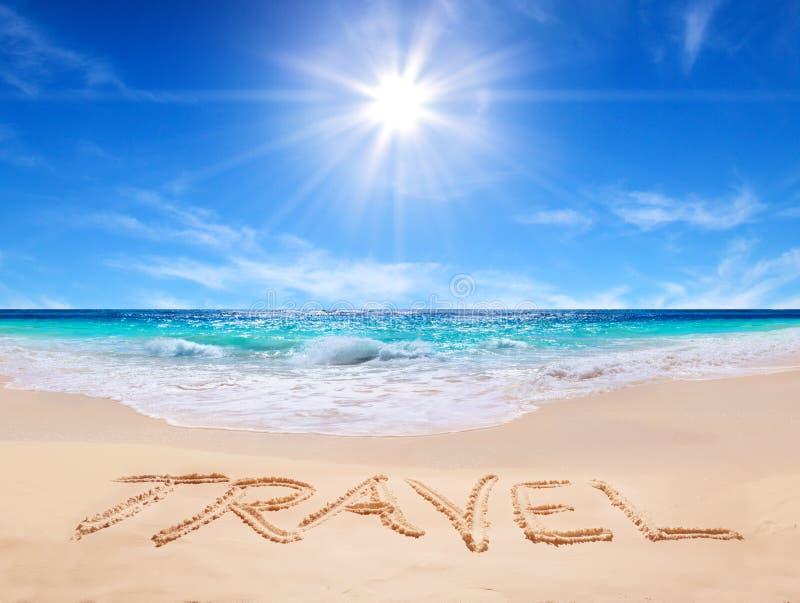 Curso da palavra na praia tropical fotografia de stock