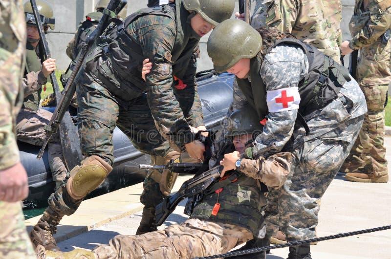 Curso de Cuidado de Heridos en Combate C4 库存照片