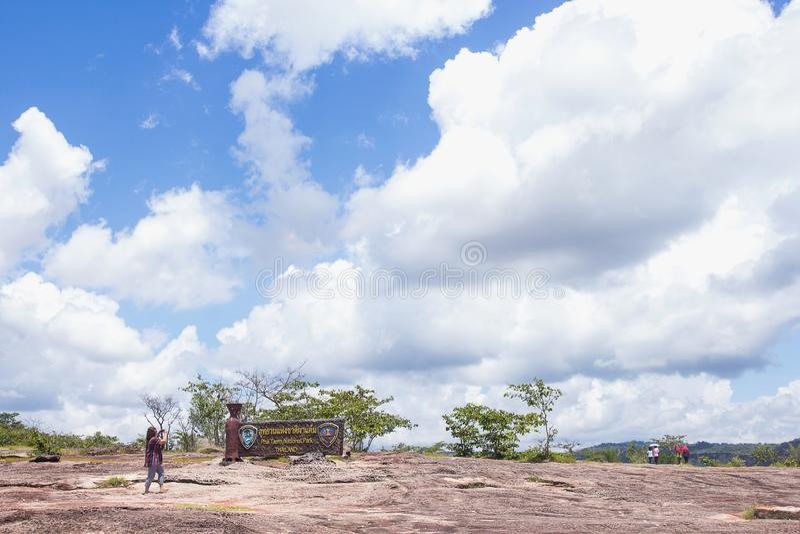 Curso de turista no parque nacional de Pha Tam, Ubon Ratchathani fotos de stock