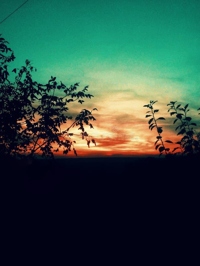 Curso e por do sol da natureza fotografia de stock