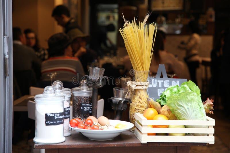 Curso Itália: ainda-vida com alimento local fotos de stock royalty free