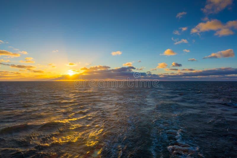 Curso pela balsa no mar Báltico foto de stock