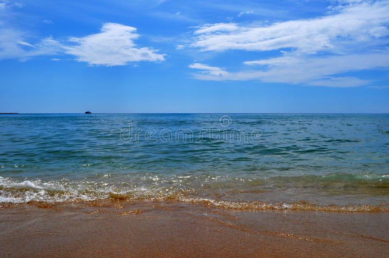 Curso sobre ao mar Mediterrâneo foto de stock