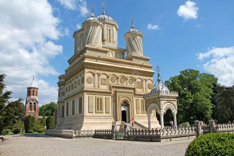 Curtea de Arges μοναστήρι στη Ρουμανία μια ηλιόλουστη θερινή ημέρα στοκ εικόνες