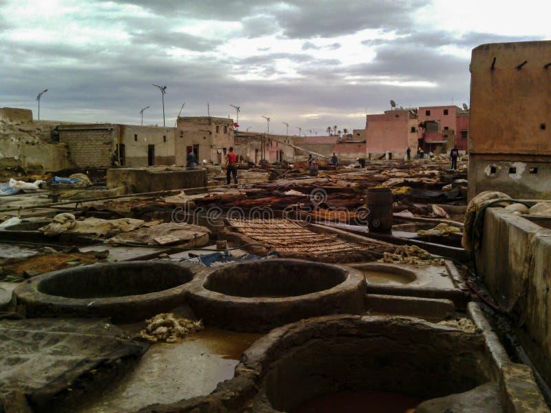 Curtiduría de cuero, Marrakesh, Marruecos fotografía de archivo libre de regalías