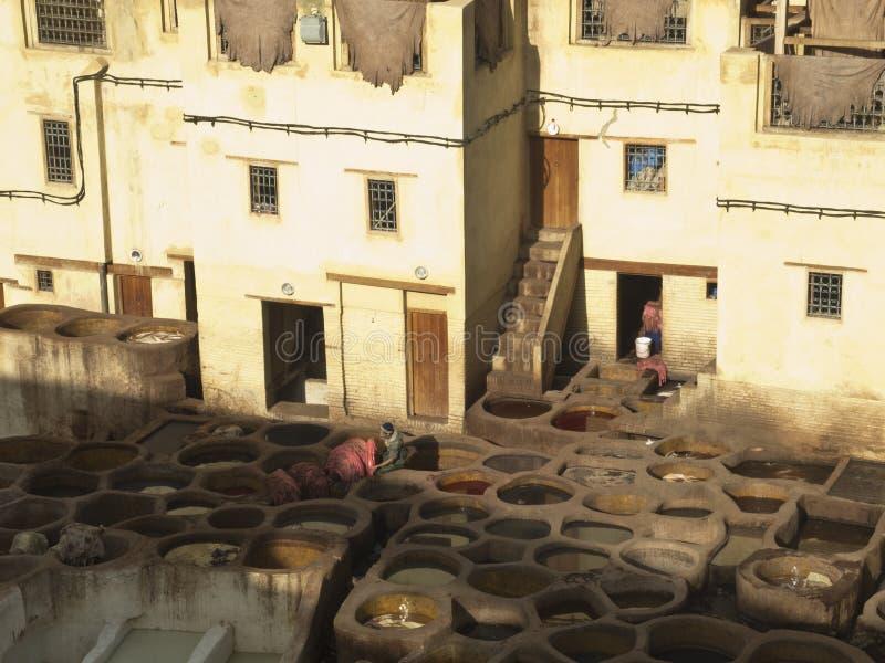 Curtiduría y fábrica del tinte en Fes imagen de archivo libre de regalías