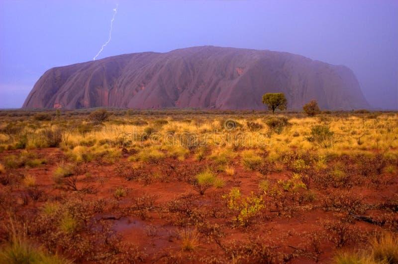 Curto circuito de Uluru foto de stock royalty free