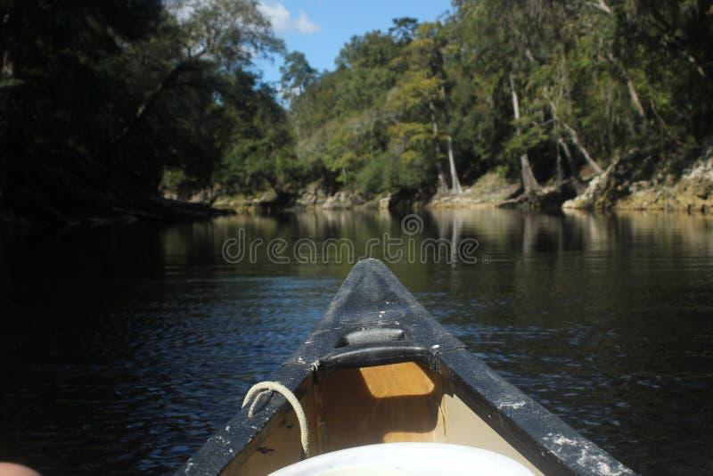 Curva da canoa imagens de stock