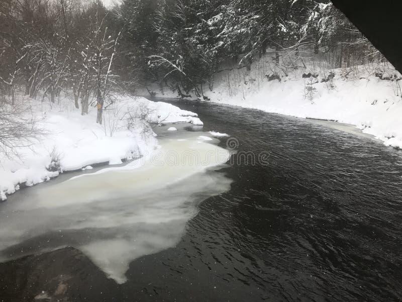 Curva del río foto de archivo libre de regalías