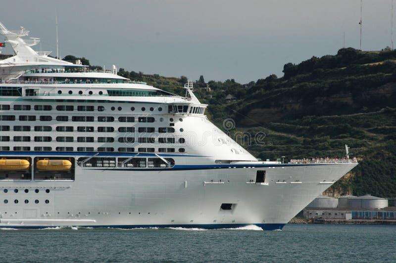 Curva do navio de cruzeiros fotografia de stock royalty free