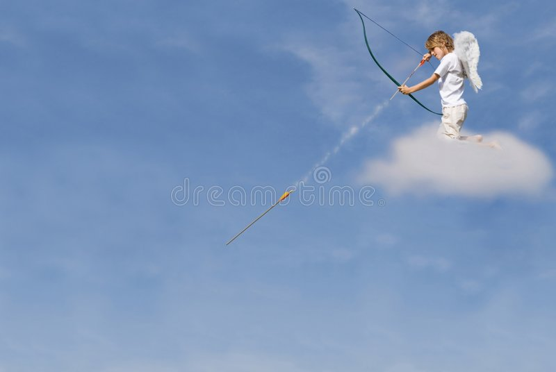 Curva e seta do despedimento do Cupid foto de stock