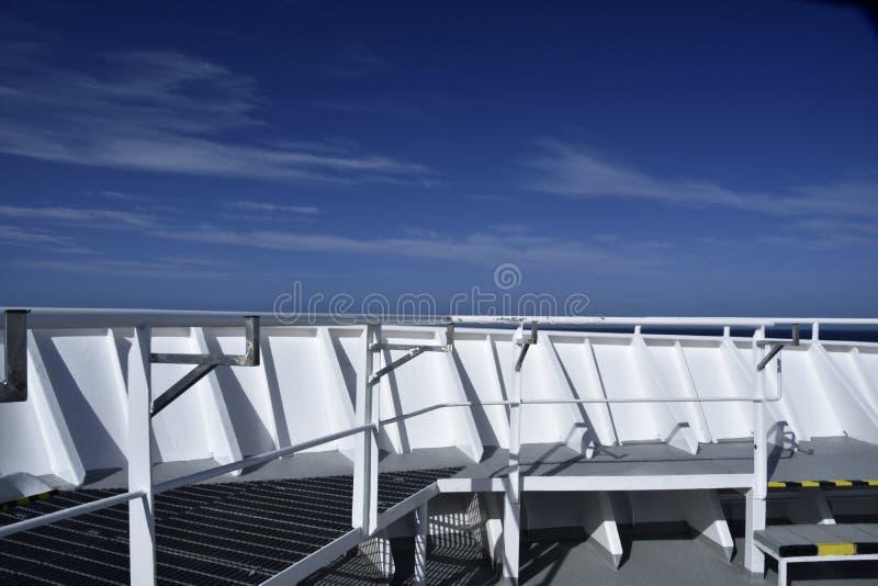 Curva em um navio de cruzeiros imagens de stock