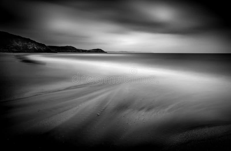Curva macia na praia, areias de Pentewan, Cornualha sul imagem de stock royalty free