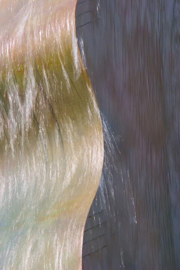 Curvas de la fuente de agua imágenes de archivo libres de regalías