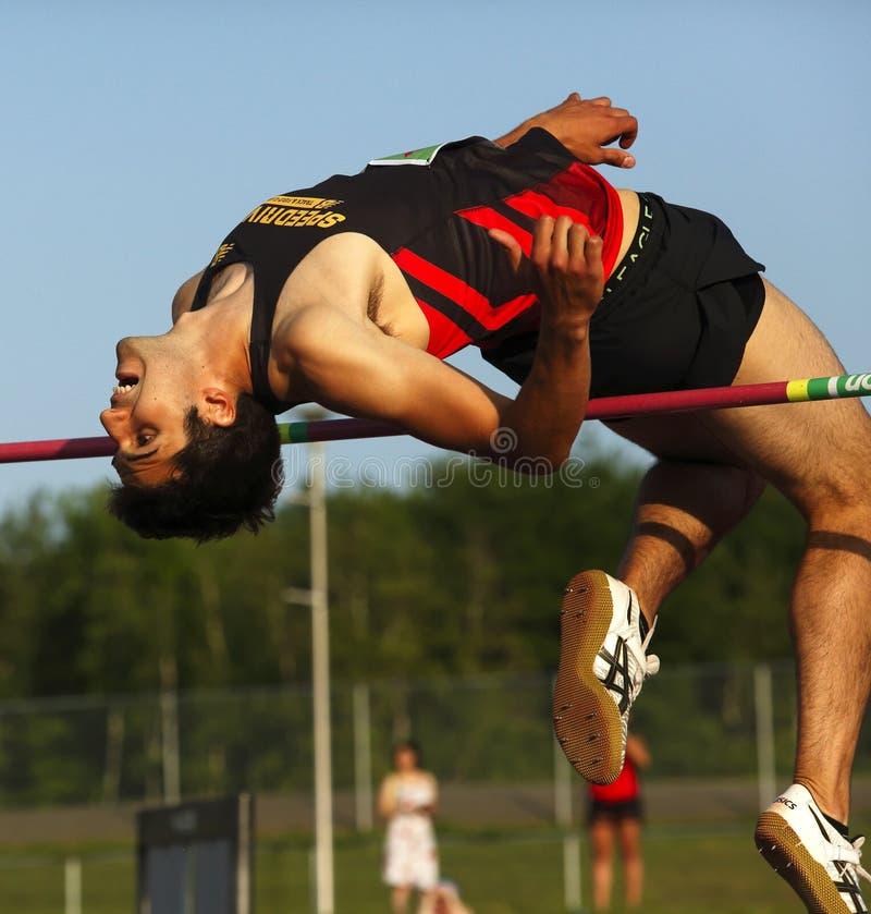 Curvatura da barra do homem do salto alto fotografia de stock