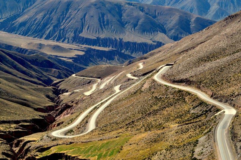 Curve alla montagna fotografie stock libere da diritti