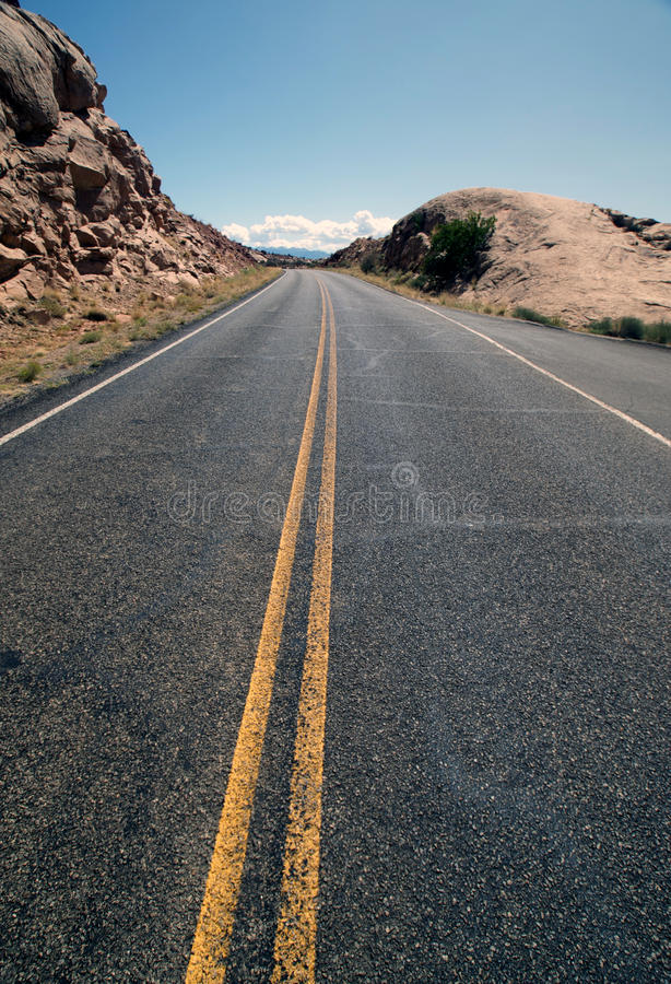 Free Curving Road Stock Photography - 12904422