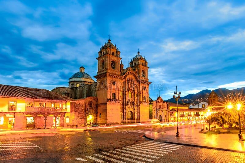 Cusco, Peru - Plaza de Armas e igreja da sociedade de Jesus fotos de stock