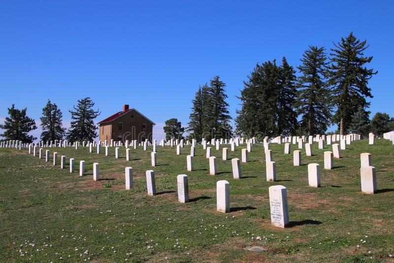 Custer National Cemetery au ressortissant de champ de bataille de Little Bighorn photographie stock libre de droits