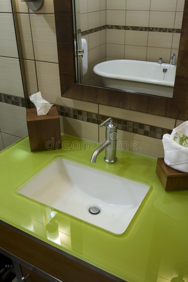 Free Custom Bathroom With Green Glass Countertops Royalty Free Stock Photos - 12658948