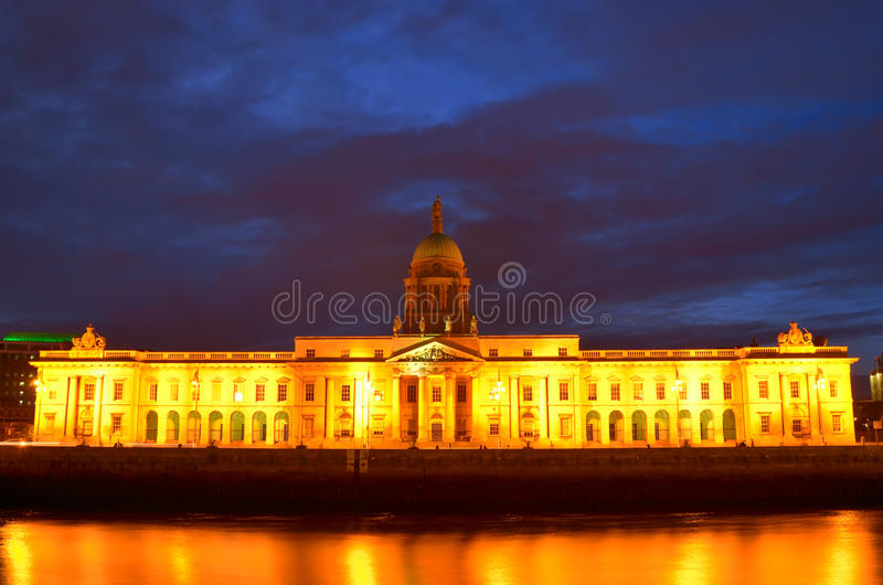 Download Custom House On The River Liffey, Dublin Stock Image - Image: 26087807