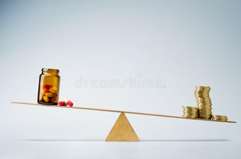 Custos ou conceito médico do fundo do seguro fotos de stock royalty free