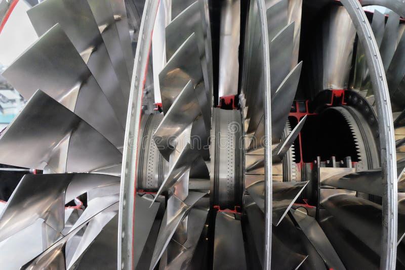 Cutaway двигателя турбореактивности бойца стоковое фото