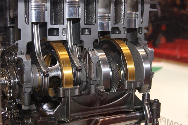 Cutaway da manivela e pistões no motor. foto de stock royalty free