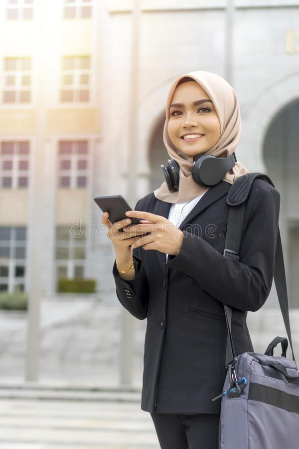 Cute Malay Kobieta w hidżabie na zewnątrz fotografia stock