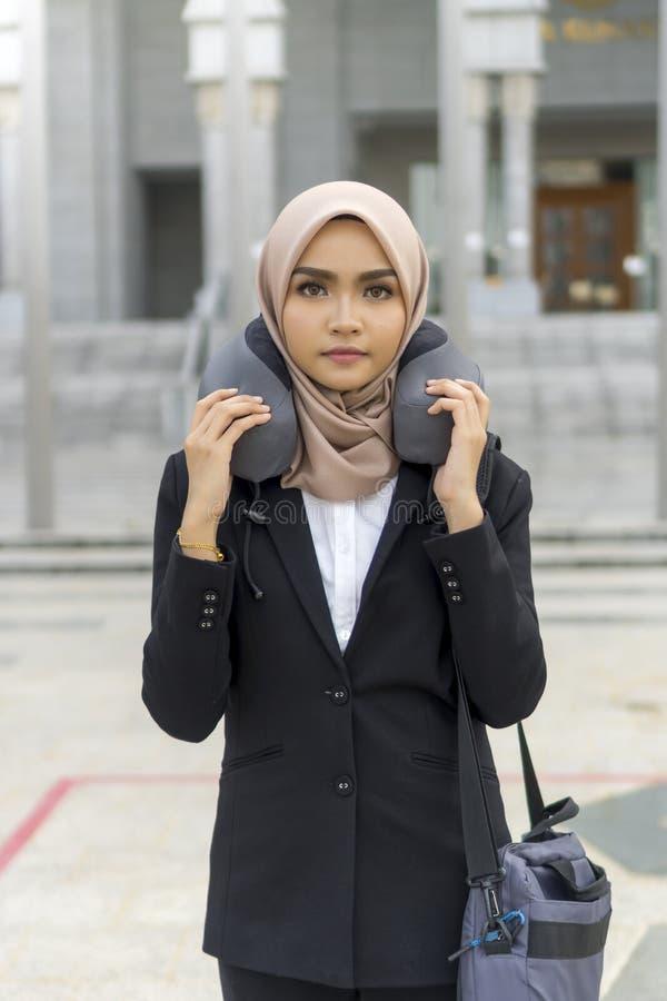Cute Malay Kobieta w hidżabie na zewnątrz obraz stock