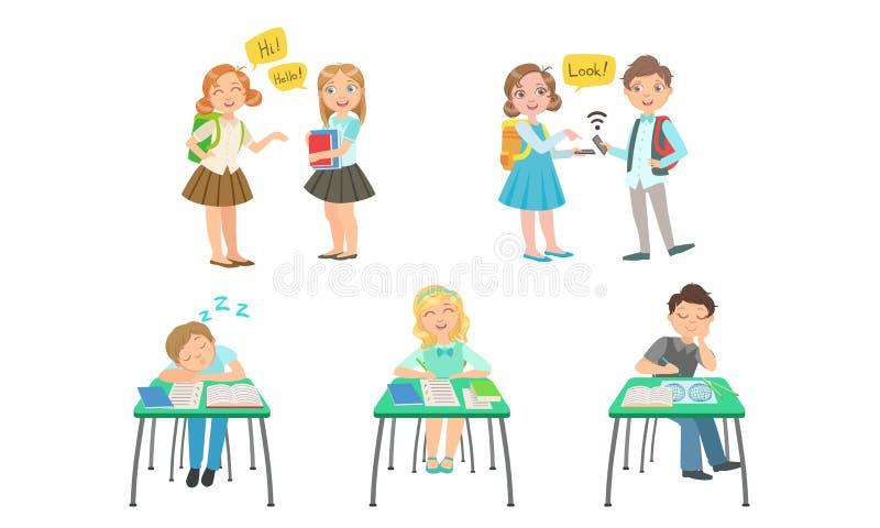 Cute Primary Schools Pupils Communicator and Study at School, Kids som sitter på skrivbord i klassrum, School Children vektor illustrationer