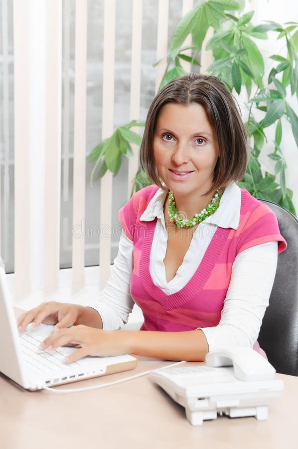 Cute Young Business Woman Speaking On  Phone Stock Images