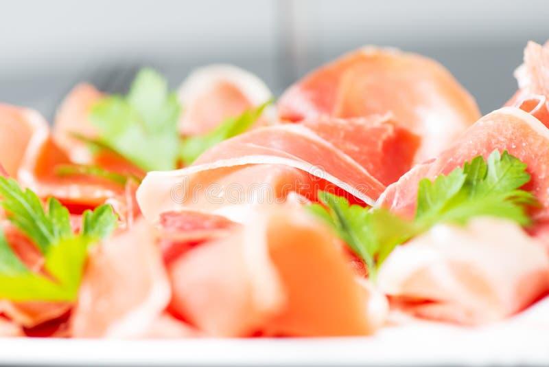 Download Cuted Serrano Baleron Z Pietruszką Zdjęcie Stock - Obraz złożonej z lunch, deliciouses: 28956320