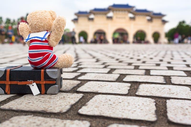 Cutie feliz de viajar en Taipei imagenes de archivo