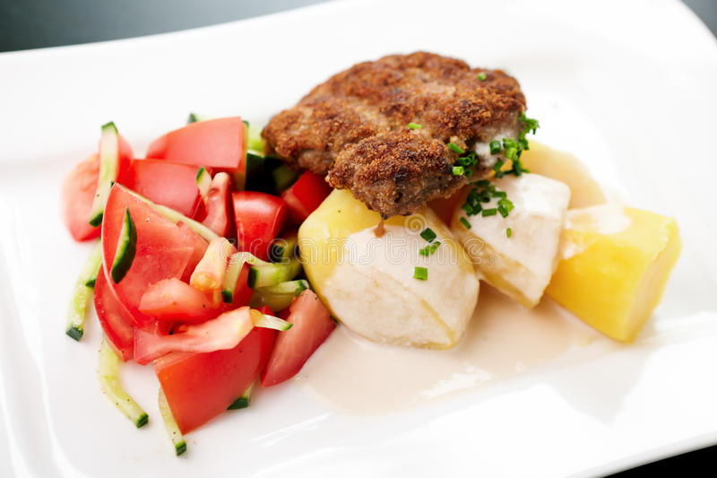 Cutlet with vegetables