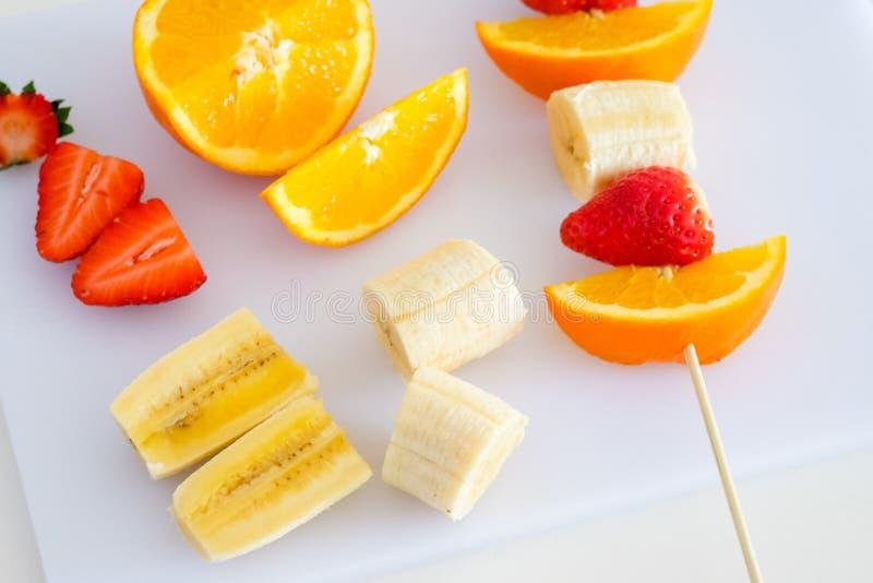 Cutted blandade frukter arkivfoto