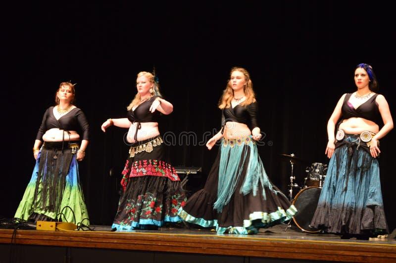 Cutural χορευτές μουσών φεστιβάλ δέκατοι στοκ φωτογραφία με δικαίωμα ελεύθερης χρήσης
