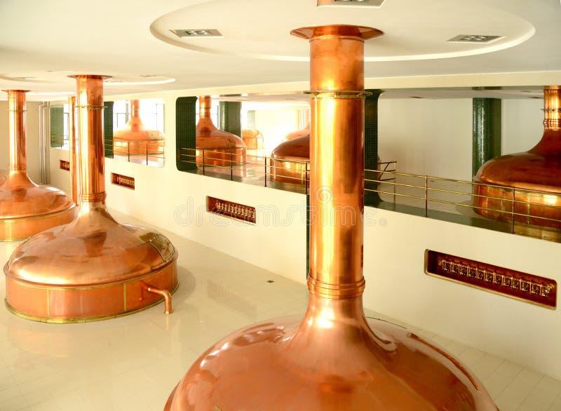 Cuves de brassage, brasserie de bière photos libres de droits