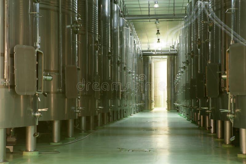 Cuves de fermentation, La Rioja image stock