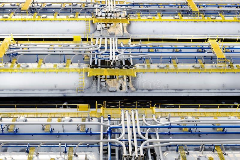 Cuves de stockage de produit pétrolier photo stock