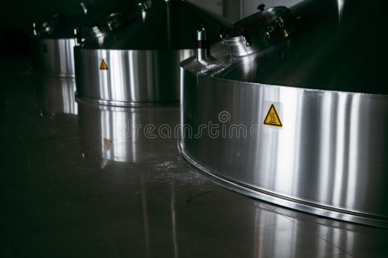 Cuves en acier de fermentation photo stock