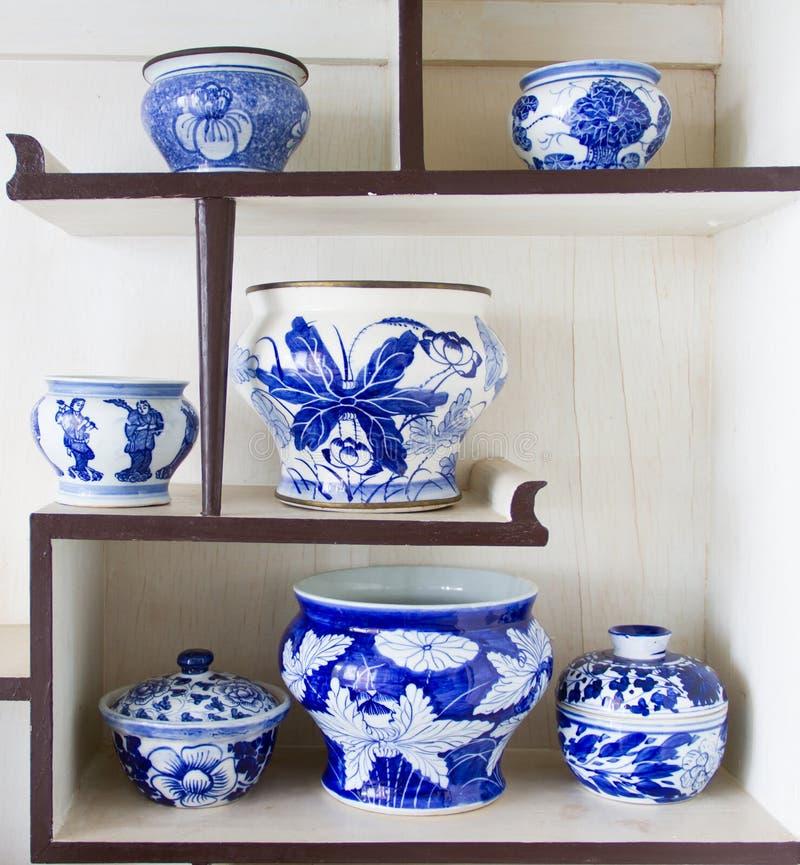 Cuvette antique de porcelaine photos stock