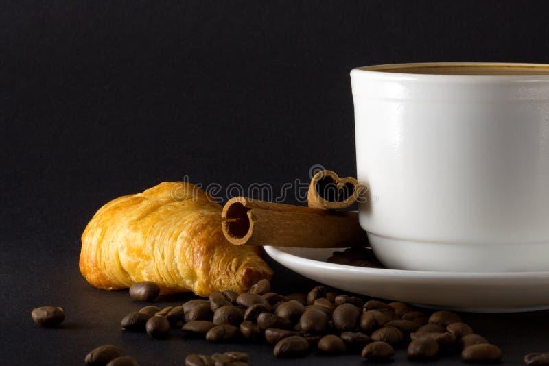 Cuvette blanche de caf? chaud images stock