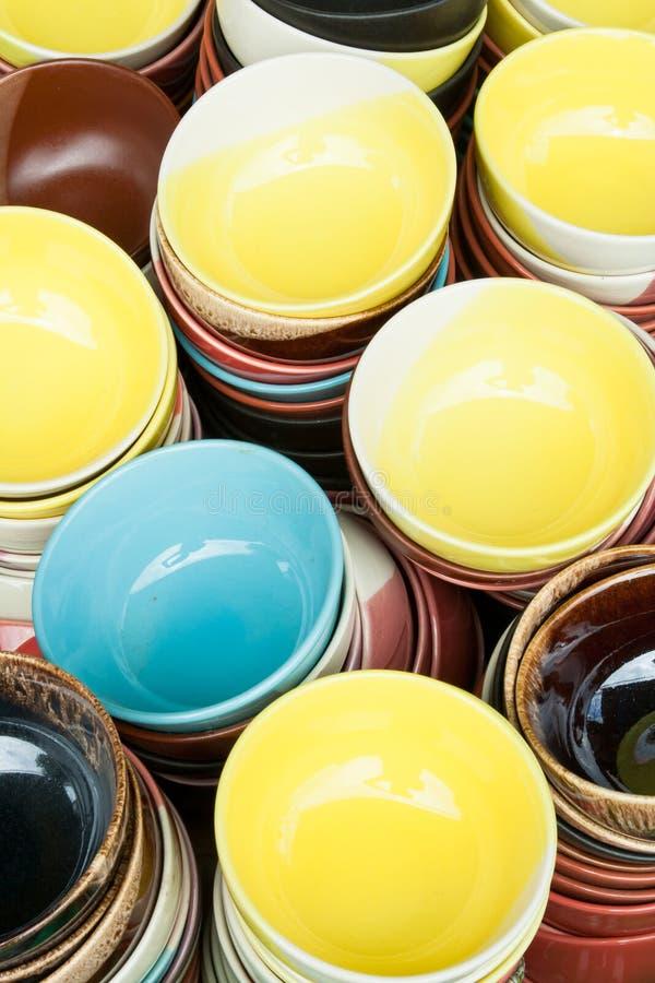 Cuvette colorée de céramique photos libres de droits