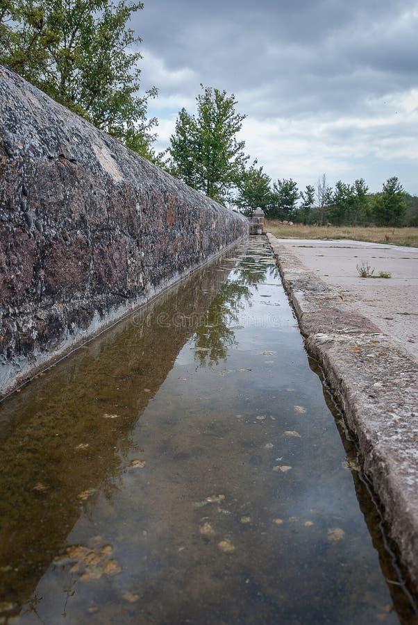 Cuvette de boissons ou pilon typique en parc national de Fuentes Carrionas Palencia image stock