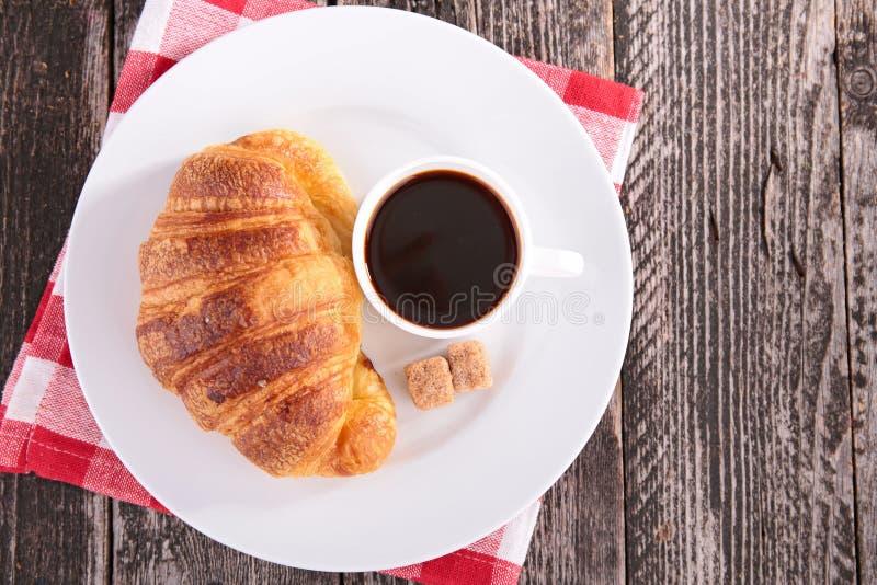 Download Cuvette de café blanc image stock. Image du bois, café - 45350097