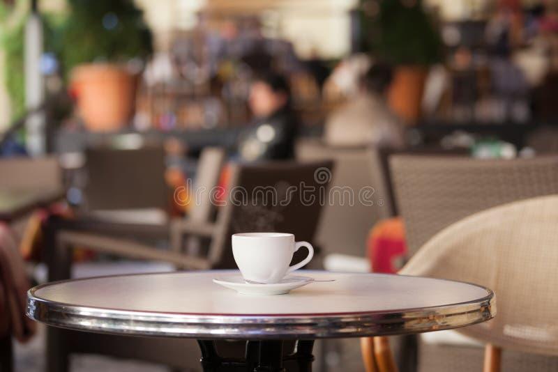 Cuvette de café blanche images libres de droits